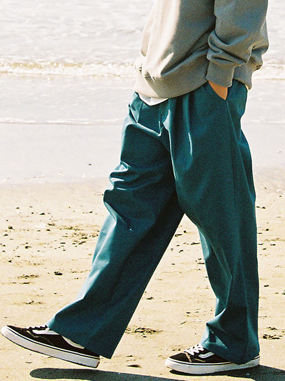 WIDE CHINO(PINE GREEN)